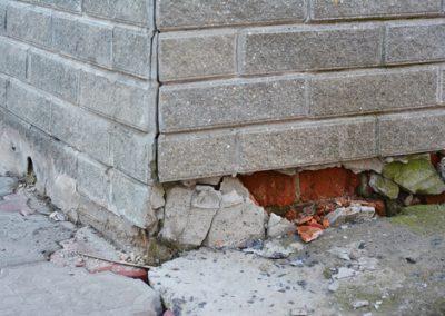 afbrokkelende-muur